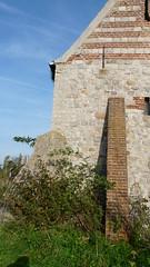 P1140068 (De Tuinen van Servaas en Dorothe) Tags: buiten restauratie kapel schade voorgevel