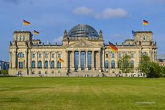 Reichstag (mariosantiaguino_) Tags: berlin hauptbahnhof sbahn spree tiergarten reichtag spandauer