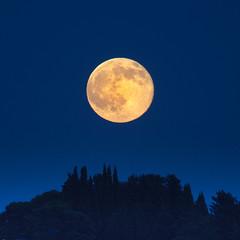 villefranche2016-6292 Moon (vambo25) Tags: moon strawberry solstice villefranche strawberrymoon villefranchesurmer