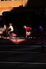 duck (Vitor Nisida) Tags: shadow cidade urban bike bicicleta sombra bici urbana paulista avenidapaulista avpaulista