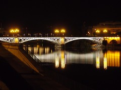 Las luces del Puente de Triana (Jorge A. Thomas) Tags: night sevilla spain clear andalusia triana puentedetriana trianabridge andalucia espana