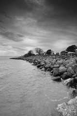 East Beach, Shoeburyness (Dynite) Tags: beach rocky boulders shoeburyness gnd d7000