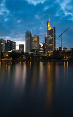 Frankfurt am Main (Guy Gorek) Tags: longexposure skyline night reflections river germany deutschland hessen nightshot nacht frankfurt main bankenviertel nachtaufnahme langzeitbelichtung maintower ezb reflektionen comerzbank europischezentralbank eurotower flus maininsel taunustower