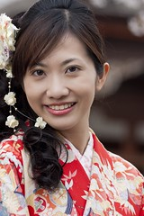 Japanese girl in kimono, Kiyomizu-Dera, Kyoto (Cow77) Tags: japan kyoto maiko geisha sakura kimono a700 sony70400