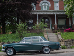 Pedigree (Chosen at Random) Tags: green car pittsburgh mercedesbenz m42 manualfocus 250 e420 mercedes250 vivitar28mm25