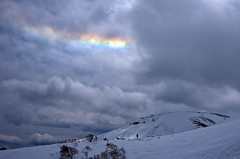 Circumhorizon arc ? (Yoshia-Y) Tags: cloud arc iridescence mtnorikura circumhorizon