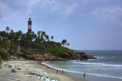 Kovalam (wickze) Tags: ocean sea lighthouse india beach waves indien kovalam bharatganrajya