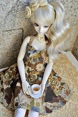 Tea time Alexia (_redtonic_) Tags: doll bjd goldie peakswoods