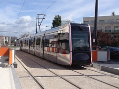 60 Alstom Citadis 402 - 15 mai 2013 (Station Mairie de Joue-les-Tours) (Padicha) Tags: auto new old bridge france water grass car station electric truck river french coach ancient automobile eau indre may police voiture ruine cher rest former 37 nouveau et loire quai franais nouvelle vieux herbe vieille ancienne ancien fleuve nationale vehicule lectrique reste gendarmerie gazon indreetloire franaise pave nouveaut vhicule utilitaire restes vgtalise letramdetours padicha