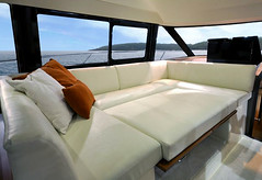 Prestige 450 S (BoatTEST.com) Tags: test layout design boating settee boattest boatreview performancetest 450sport prestigeyachts prestige450s