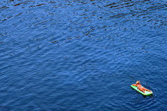 2010 - La Naufraga (Francesco Napoli) Tags: blu acqua ventotene isola bagnante tuttialmare supercontest francesconapoli sidblacklizard naugrafo