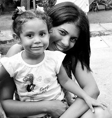Luana e Eloiza (Dimention_) Tags: sun smile brasil happy nikon child recife pernambuco d3100