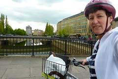 138 Saturday, 18th May 2013 (Margaret Stranks) Tags: uk bridge apple bike bicycle bath footbridge riveravon oldbridge ipad 365days churchillbridge 138365 ipadmini