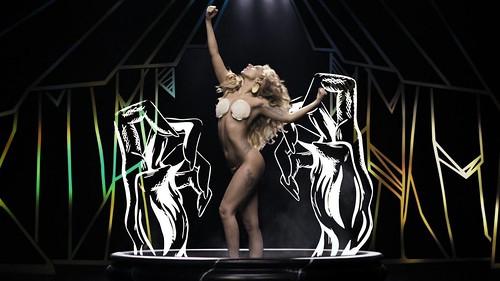 ladygaga-applause-4