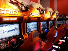 Bornes d'arcade Grid  La Tte dans les Nuages (Dacobah) Tags: arcade borne bornes latetedanslesnuages
