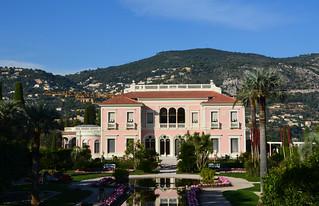 Pink mansion - Ephrussi de Rothschild Villa and Gardens - Explored