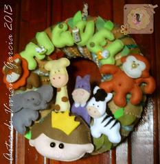 Porta Maternidade Miguel (Artes di Viviane Garcia) Tags: selva zebra macaco floresta rei menino leão girafa elefante hipopótamo enfeitedeporta portamaternidade bichinhosdafloresta reidafloresta