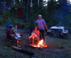 campfire 14-08-13 in MT USA.. (spelio) Tags: camping kids us montana mt aug hungryhorsedam 2013