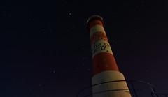 Phare rouge et étoiles (Amanclos) Tags: longexposure sky lighthouse france weather night stars major wind clear ciel sirius orion jupiter taurus aude nuit phare beau pleiades etoiles astonomy canis longueexposition portlanouvelle efs1022 etoilé canoneos700d degagé