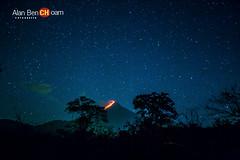 volcan fuego y estrellas (alan benchoam) Tags: nightphotography stars volcano lava guatemala eruption guate volcn erupcin volcndefuego benchoam alanbenchoam
