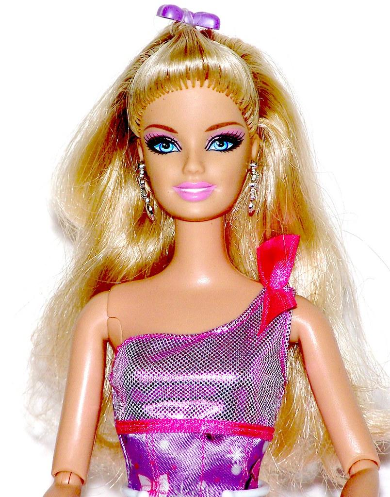Barbie fashionistas in the spotlight glam doll 94