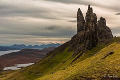 Old Man ( Pere Soler) Tags: skye scotland escocia hebridas esccia abigfave hbrides oldmanofstorroldman