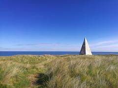 Pyramid (_pauls) Tags: pyramid bluesky northumberland navigation