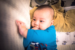Portrait of baby (HIKARU Pan) Tags: china boy portrait baby cute horizontal photography asia shanghai chinese wideangle indoors lovely 24l 1dx canonef24mmf14liiusm eos1dx