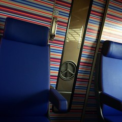 Intercity Direct, rijdende kluis? (Harry -[ The Travel ]- Marmot) Tags: blue secondclass holland netherlands lines station train square chair blauw publictransportation ns stripes interieur seat nederland railway zug squareformat cs amsterdamcentraal trein spoorwegen lijnen strepen openbaarvervoer stoelen handbrake nederlandsespoorwegen tweedeklasse handrem dtuch iphoneography instagramapp uploaded:by=instagram allrightsreservedcontactmebyflickrmail