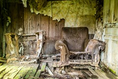 The Catbird Seat (cwhitted) Tags: abandoned minolta samsung 24mm swva rokkor graysoncounty primelens minoltamd mouthofwilson rokkorx nx30 minoltamdwrokkorx24mmf28 samsungnx30