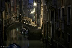 The night! (Be ppe) Tags: street city travel bridge venice light vacation people reflection night persone