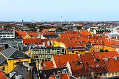 Copenhagen by the rooftops (Sannou In The Middle) Tags: colors canon copenhagen denmark outside rooftops couleurs horizon viewpoint frederiksberg extrieur kbenhavn pointdevue danemark toits copenhague canoneos600d frederiksbergvarmevrk