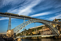 Dom Luis I Bridge / Porto / Portugal (zilverbat.) Tags: bridge sky portugal skyline architecture canon buildings iron trolley steel eiffel visit icon porto brug trams hotspot brucke domluis1 dubbelspoor zilverbat enkelspoor oeververbinding