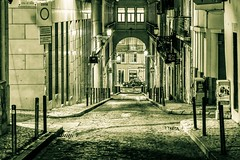 One night at Lisboa. (Bouhsina Photography) Tags: street light cinema portugal monochrome architecture night canon outside lumire lisboa empty arcade perspective rua rue nuit lisbonne vide effet pvement pav 2016 exterieur trottoirs bouhsina ef8512ii 5diii bouhsinaphotography