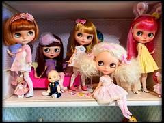 Family (Shayne Blythe) Tags: soom dalang nappychoo bjd dollyfamily blythedollclothes neoblythedoll customblythedoll blythedoll blythe