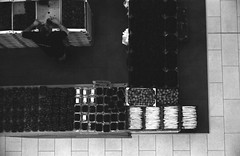Spargel (Christian Gttner) Tags: camera leica blackandwhite bw film monochrome analog 35mm germany deutschland europa nrw sw analogue agfa tyskland kamera svartvitt leicacl schwarzweis agfaapx niemcy czarnobiale schwarzweisfotografie ecodeveloper