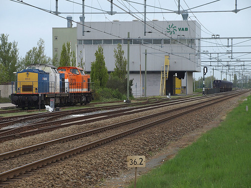 Two V100 engines at Noordwijkerhout, May 12, 2013
