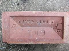 London Brick. (LBCSteve) Tags: brick london silver arms jubilee coat 1977 lbc eiir