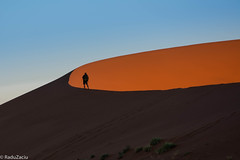People on Dunes -1- (Cold Shutterhand) Tags: sesriem namibia sossusvlei deadvlei sossusdunelodge