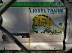 Lionel Trains (BeautifulVandalism) Tags: bench graffiti trains lionel mn freights rollingstock benching minnesotagraffiti mngraffiti