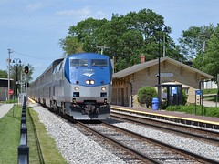 Above the fence! (Robby.Gragg) Tags: amtrak 79 lockport p42