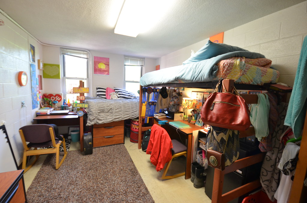 Wayne State College Dorm Rooms