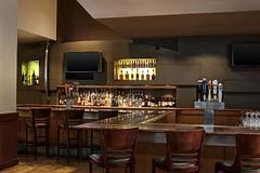 Le Meridien Cambridge—Sidney's Lounge (LeMeridien Hotels and Resorts) Tags: cambridge hotel unitedstates spg 02139 starwood loungebar massachusettsma starwoodresorts starwoodhotels meetingresort lemeridiencambridge lemeridienhotelsandresorts sidneyslounge