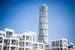 Turning Torso (Hkan Dahlstrm) Tags: santiago white house building architecture se skne day sweden clear calatrava torso sverige uncropped malm turning f40 vstra hamnen 2013 skneln canoneos5dmarkii sek ef2880mmf284lusm 331072013143209