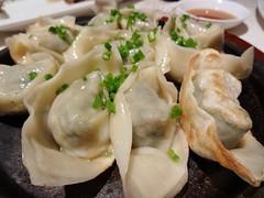 Pan-Fried Dumplings @Shanghairenjia Rwstaurant, Shanghai (Phreddie) Tags: china park food chicken cuisine restaurant 131104 yum shanghai chinese delicious pork eat zongshan