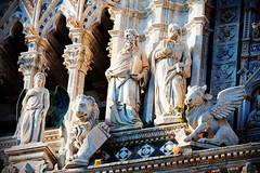 Guardian Angel... (akal_flickr) Tags: santa italy maria tuscany siena duomo assunta marculescueugendreamsoflightportal