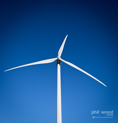 362:365:2013 - White, Blue & Green. (phil wood photo) Tags: sky white december wind 365 turbine day362 project365 2013 colourchallenge 3652013 28122013