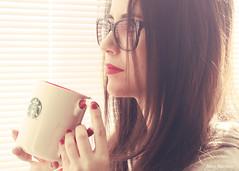 Morning-flavoured (Neus Martnez) Tags: morning light red nerd cup glasses tea lips starbucks vision:text=0533