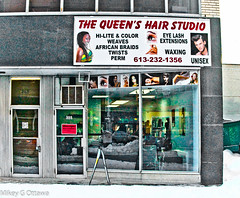 Not That Queen - Ottawa 02 14 (Mikey G Ottawa) Tags: street city ontario canada colour window beauty retail hair lashes ottawa twist queen business reflet nails reflect commercial salon shopwindow perm farbe spiegelung weave couleur waxing braid thequeen beautysalon hairstudio eyelashextensions mikeygottawa