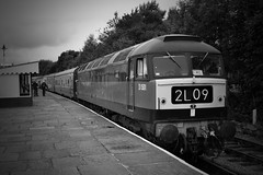 Black & White Brush (DM47744) Tags: green station train br diesel 4 transport traction railway loco trains brush class lancashire east type locomotive preserved railways elr 47 locomotives sulzer rawtenstall 47402 d1501